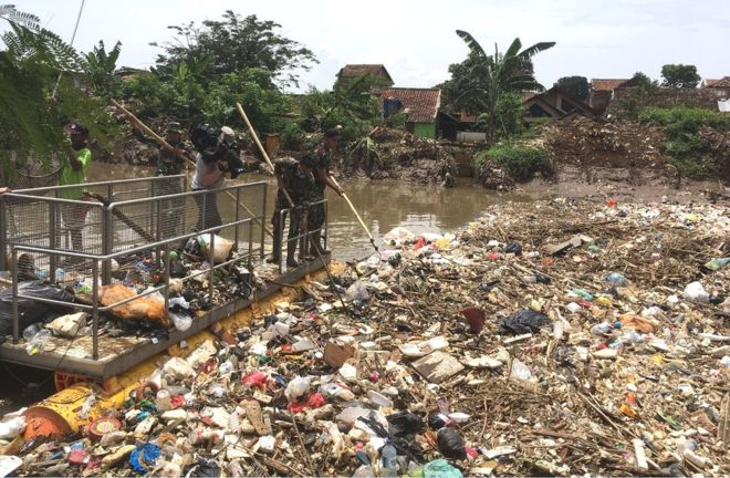 Like other developing countries, Indonesia is wrestling with an acute plastic waste problem. Photo: David Shukman