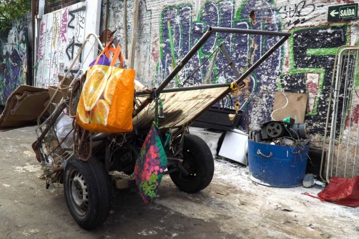 Photo: Catadores use wagons, or carrocas, to carry out their informal street cleaning. (Supplied: Nick Parkin)