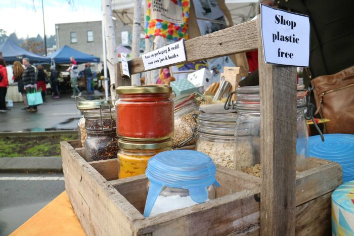 Harvest Market shoppers are encouraged to get creative with how they re-purpose and recycle food containers. (ABC Rural: Laurissa Smith)