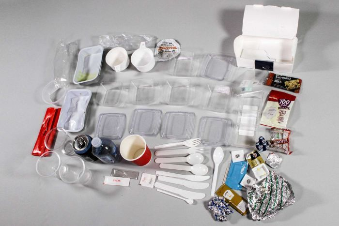 Photo: The amount of waste generated on a 10-hour return flight (ABC RN: Fiona Pepper)