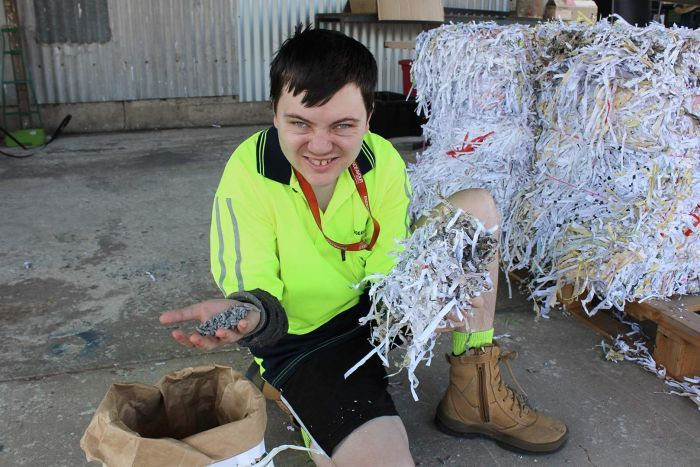 Photo:Endeavour Townsville's shredded paper ends up as eco-friendly kitty litter pellets. (ABC North Queensland: Nathalie Fernbach)