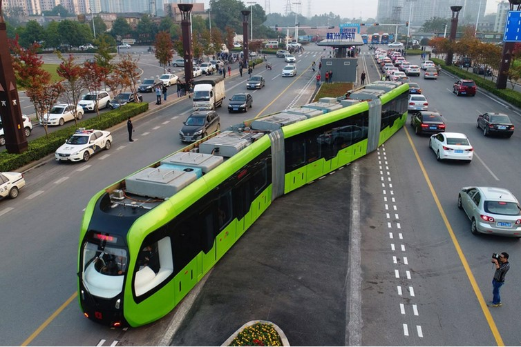 The battery-powered trackless tram, or ART, in operation in Zhuzhou, showing the trackless autonomous guidance system. CRRC Zhuzhou Institute, Author provided
