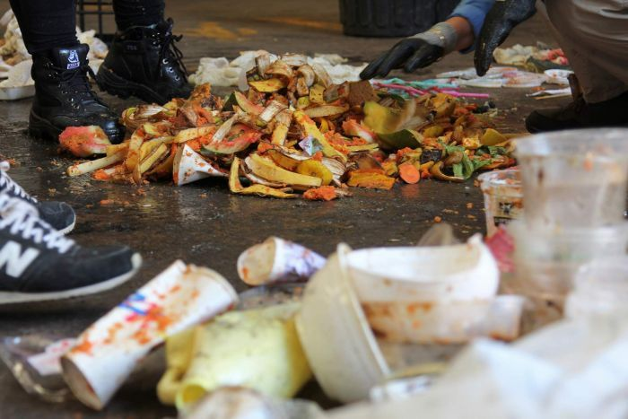 Photo: Food waste is estimated to cost Australia $20 billion each year. (ABC Radio Darwin: Jesse Thompson)